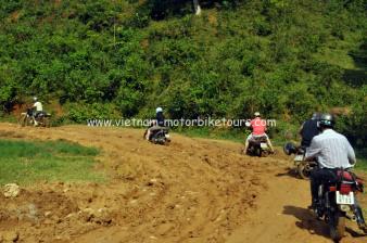 Motorbike tours to Caobang