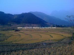 Hoa Binh motorbike tours