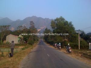 Hanoi motorbike tours to Phu Yen