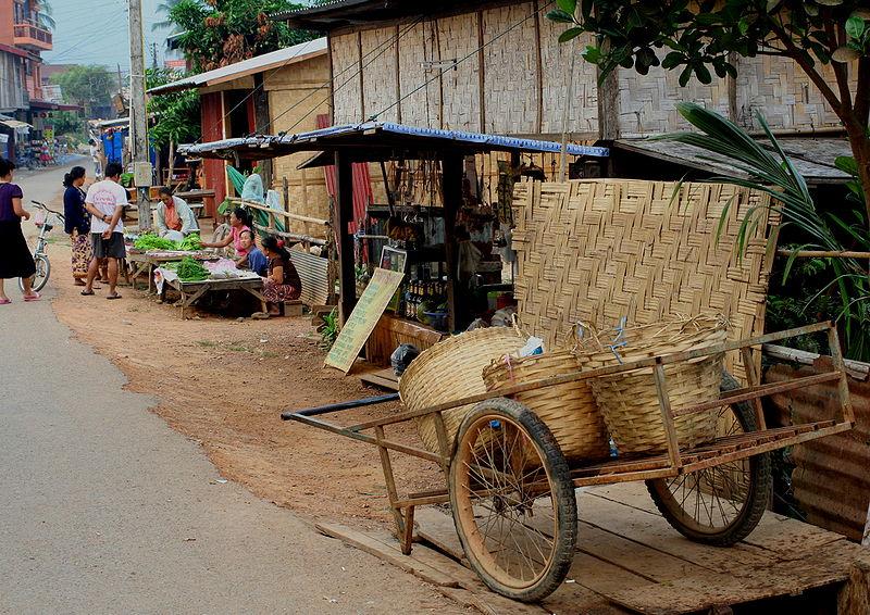Vang Vieng street motorbike tour