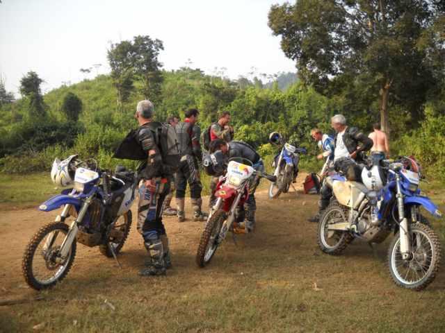 bualapha motorbike tour