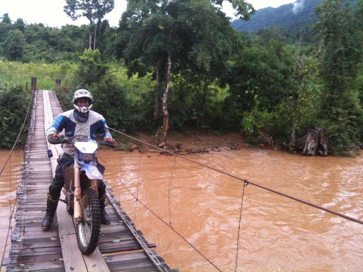 Enjoyable Vietnam motorbike tour from Ha Noi to Lang Son