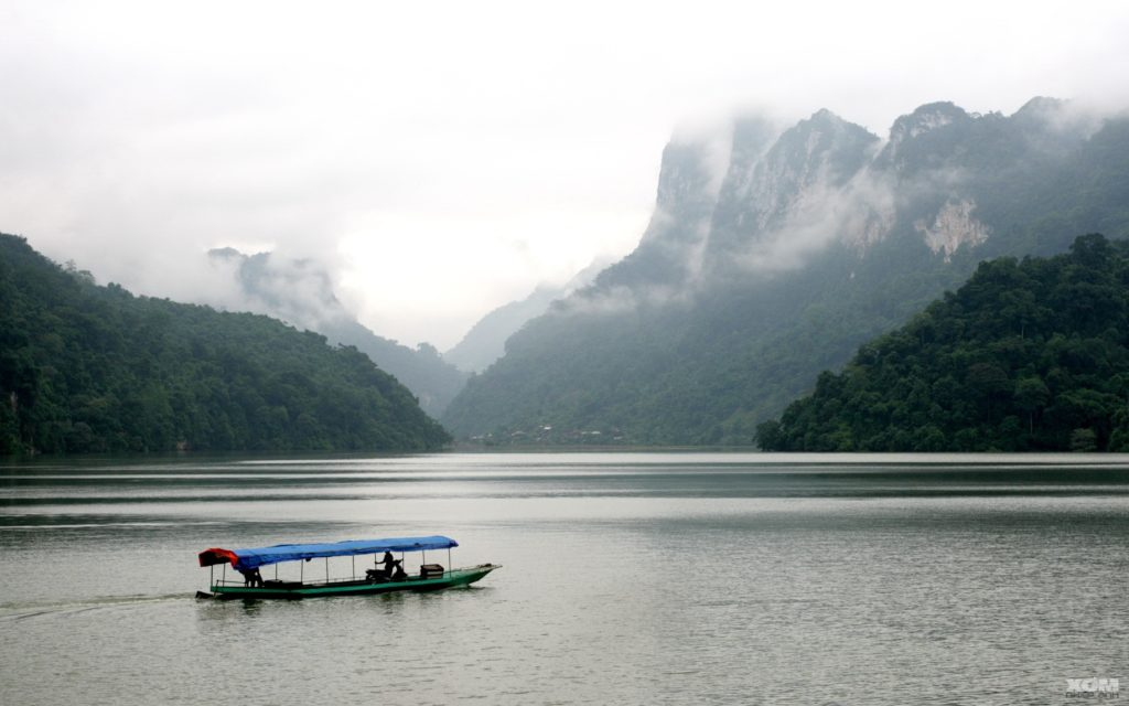 Ba Be Lake 1024x640 - TOP 6 ADVENTURE DESTINATIONS IN VIETNAM