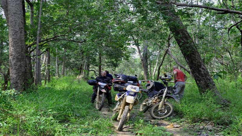 Cambodia Motorbike Tour from Phnom Penh to Kompong Cham