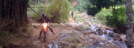 Dramatic Vietnam motorbike tour to Ha Giang with night train – 5 Days