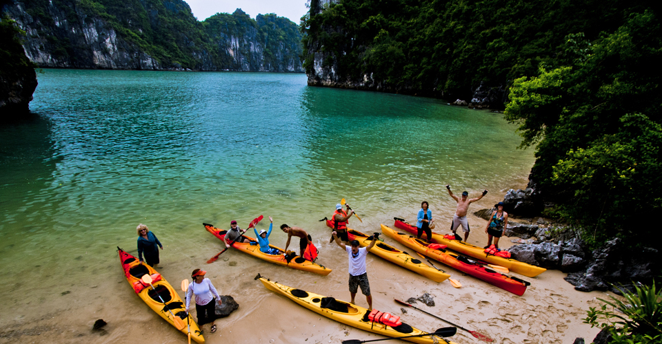 North East Vietnam Motorbike Tours to Bac Kan, Cao Bang, Halong Bay