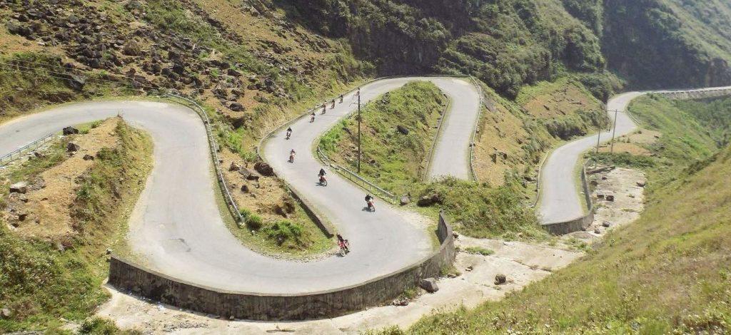 North-Centre motorbike tours to Ba Be National Park via Sapa, Ha Giang