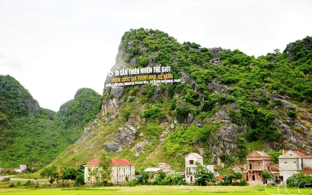 Vietnam Motorbike Tours on Ho Chi Minh Trail from Saigon to Hanoi