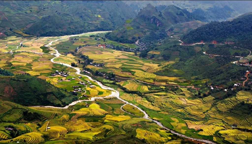 North-west Vietnam motorbike tour to Sapa with night train