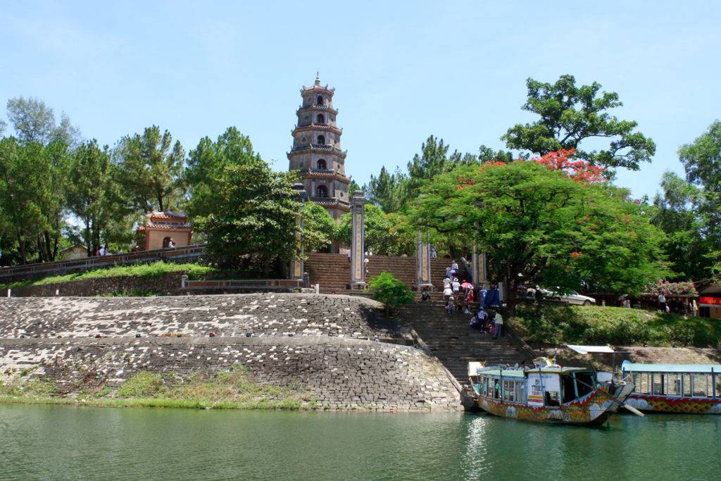 Hue daily Motorbike Tour to the Traditional Villages