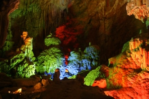 SPECTACULAR TIEN SON CAVE