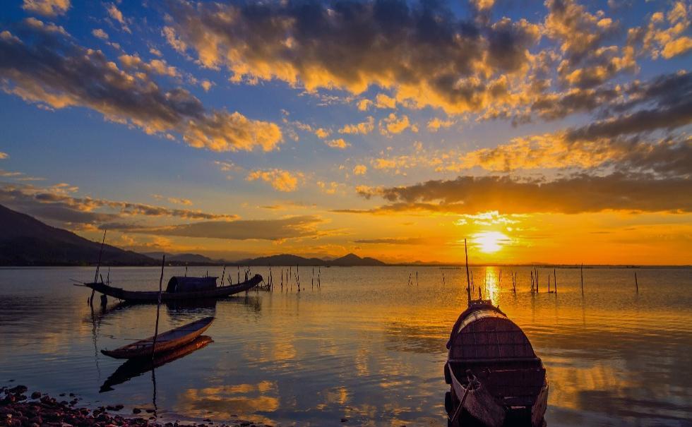 Hue Motorbike Tour to discover Tam Giang lagoon