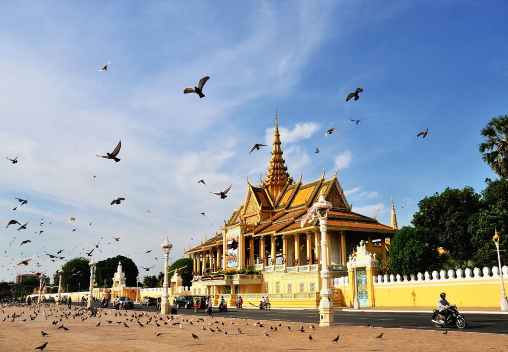 Cambodia Motorbike Package Tour from Phnom Penh to Krung Kep