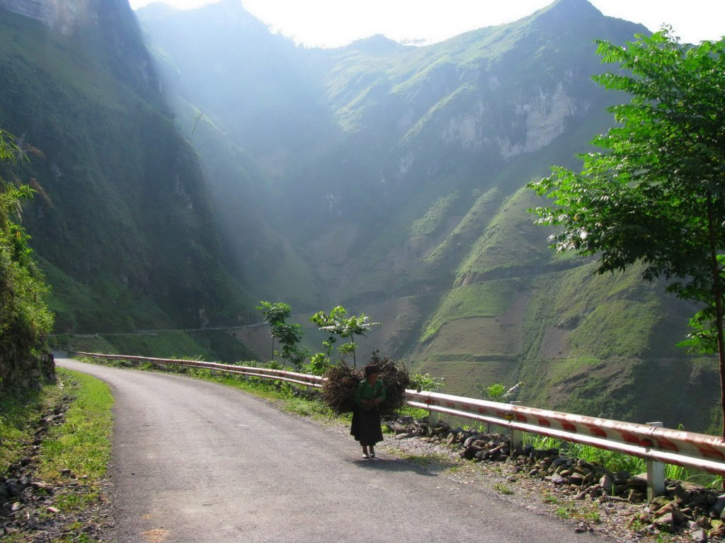Vietnam Motorbike Tours to Ha Giang, Cao Bang, Lang Son