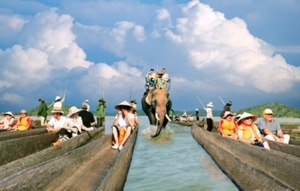 in Dak Lak 300x191 - DAK LAK PROVINCE