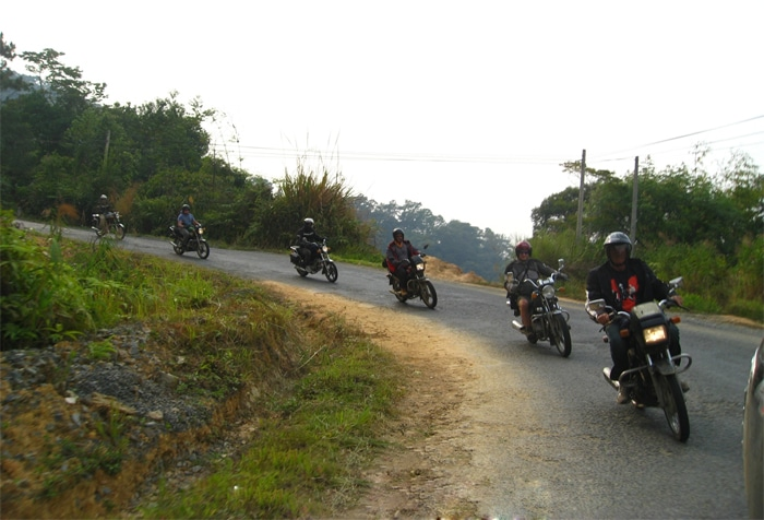 Hue motorcycle tours to DMZ, Hue - Quang Tri Motorbiking tour