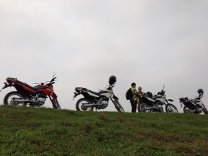 HANOI GROUP MOTORBIKE TOUR TO DUONG LAM VILLAGE