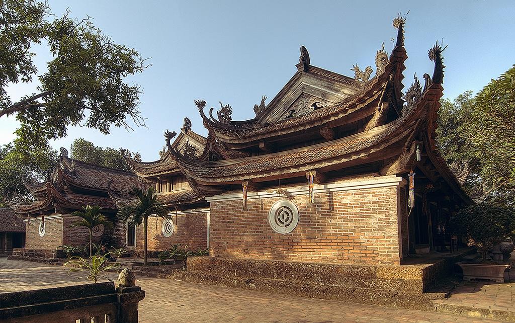 Hanoi Short Motorbike Tour to Van Phuc Silk Village, Tay Phuong Pagodas