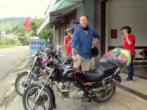 Saigon motorcycle tours to Cu Chi tunnel