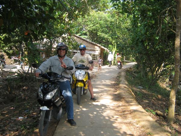 One Day Saigon motorbike tour to Cu Chi Tunnels