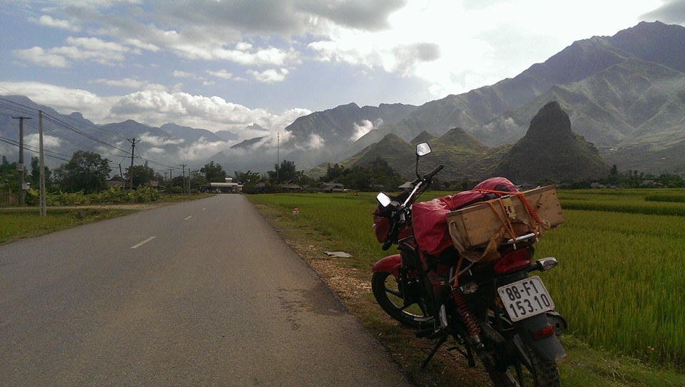 Hanoi Motorbike Tour To Thac Ba lake and Ba Be National Park