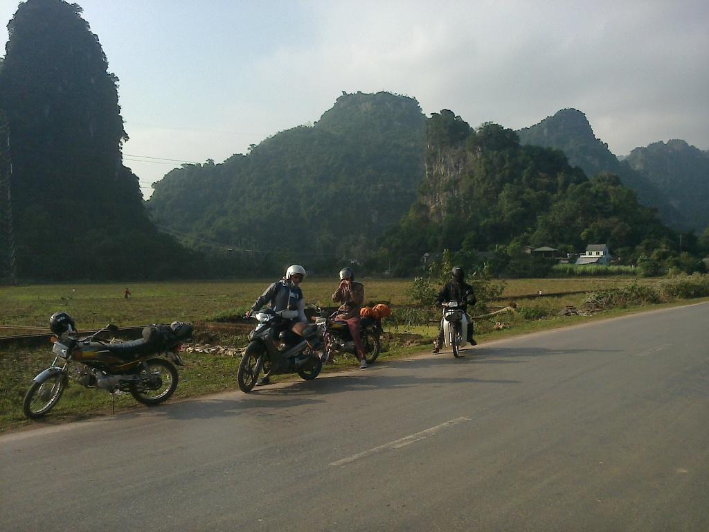 Hanoi motorbike tour to Thac Ba