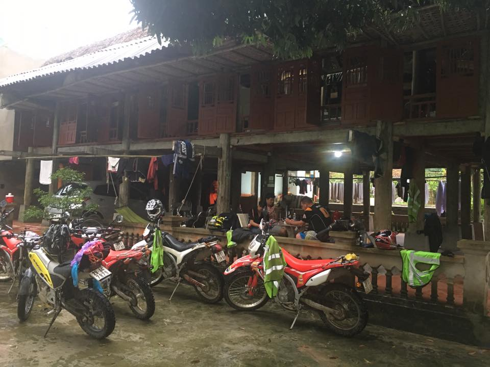 Vietnam North-Centre motorbike tours from Hanoi to Thac Ba lake